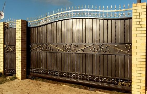 Ворота из профнастила с элементами ковки ВП-3
