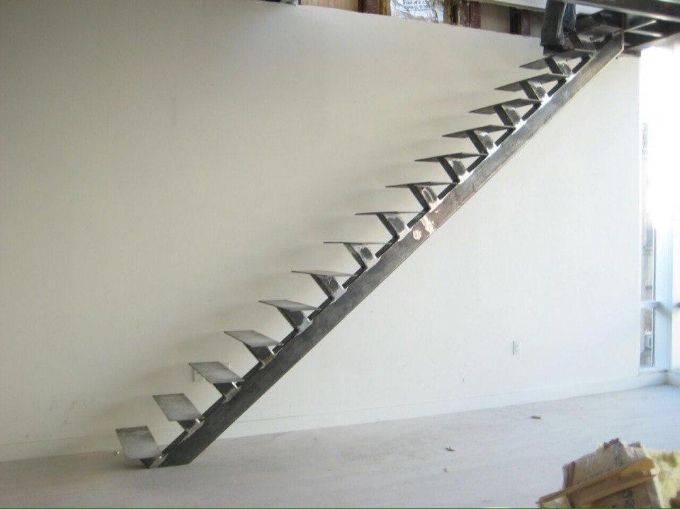 Металлическая лестница МЛ-4