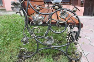 Кованые дачные скамейки купит в Тюмени