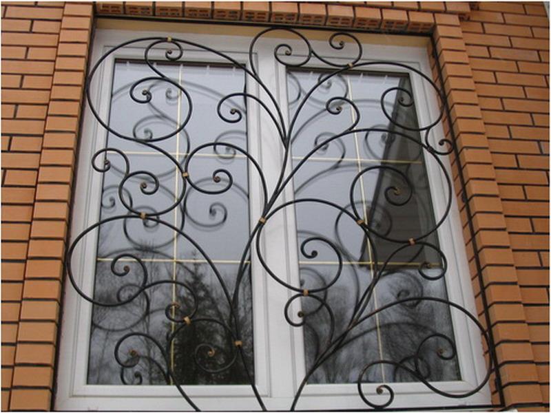 Решётка на окна жилого дома КР-4