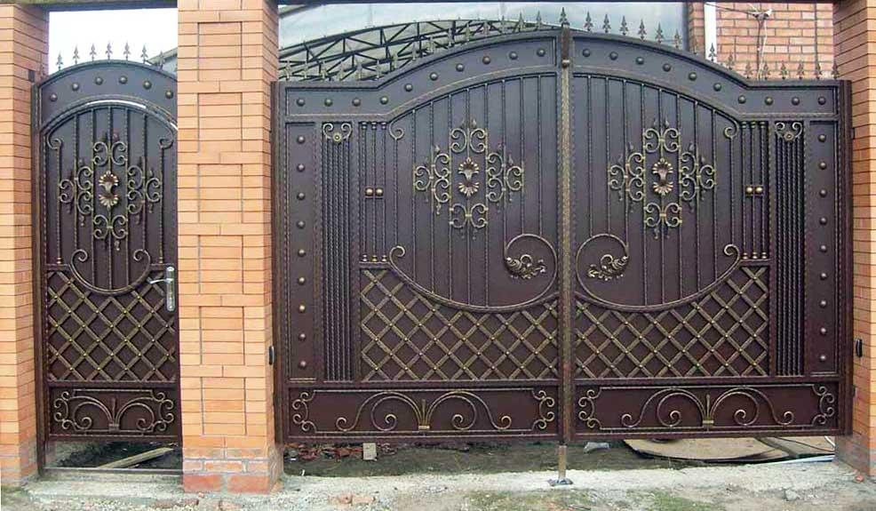 Кованые ворота и кованая калитка №4