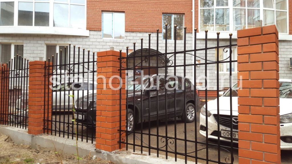 Классический кованый забор КЗ-17